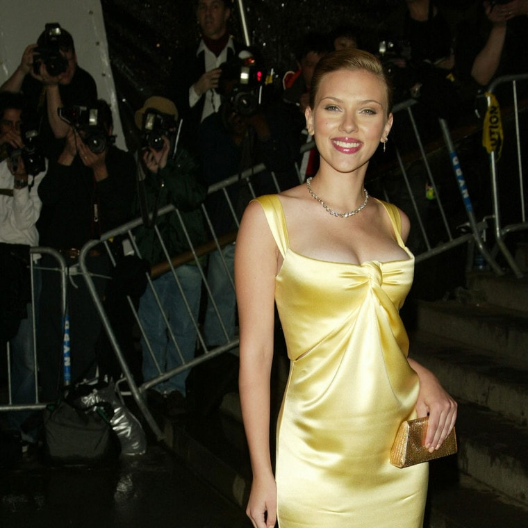 scarlett-johansson-yellow-dress