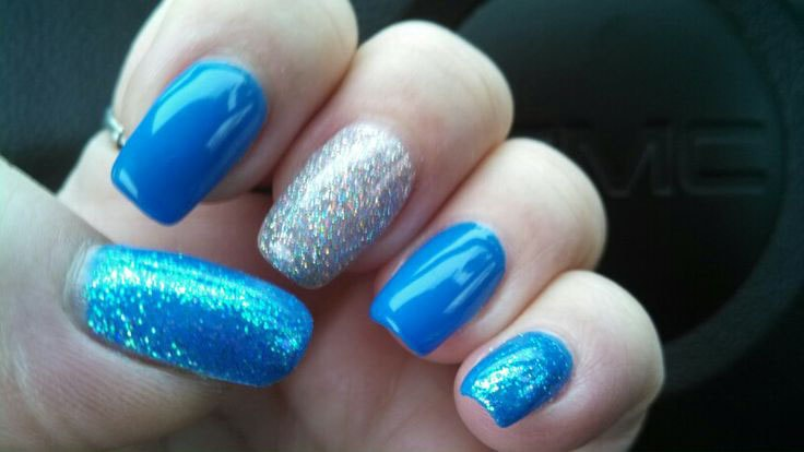 stylish-shine-blue-nail-art